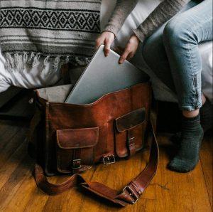 Dit zijn de tassen trends voor de komende seizoenen